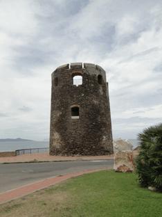 Reisverslag Sardinie -zomer:toren in st. Lucia